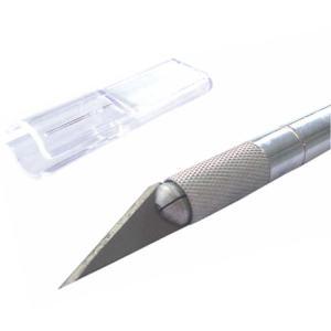Estilete ou faca bem afiada e limpa
